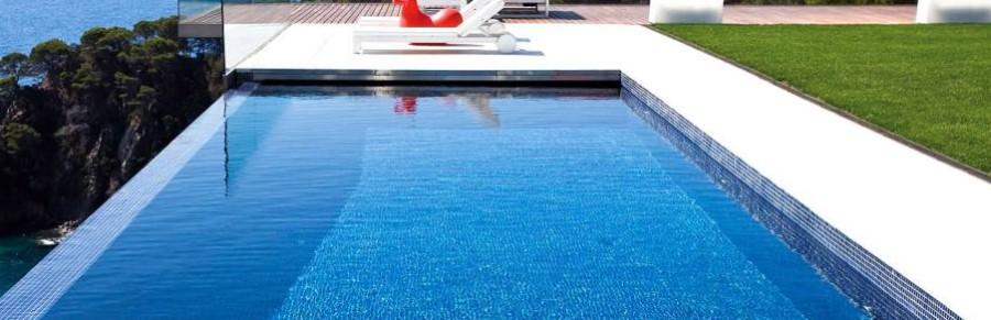 Decoraci n piscina jard n - Decoracion piscinas ...